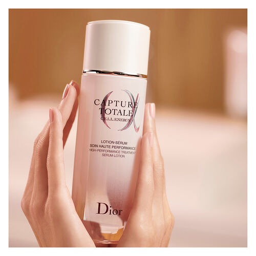 Dior Capture Totale High-performance treatment serum-lotion
